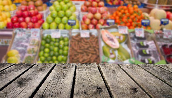 Houten kistje in de supermarkt
