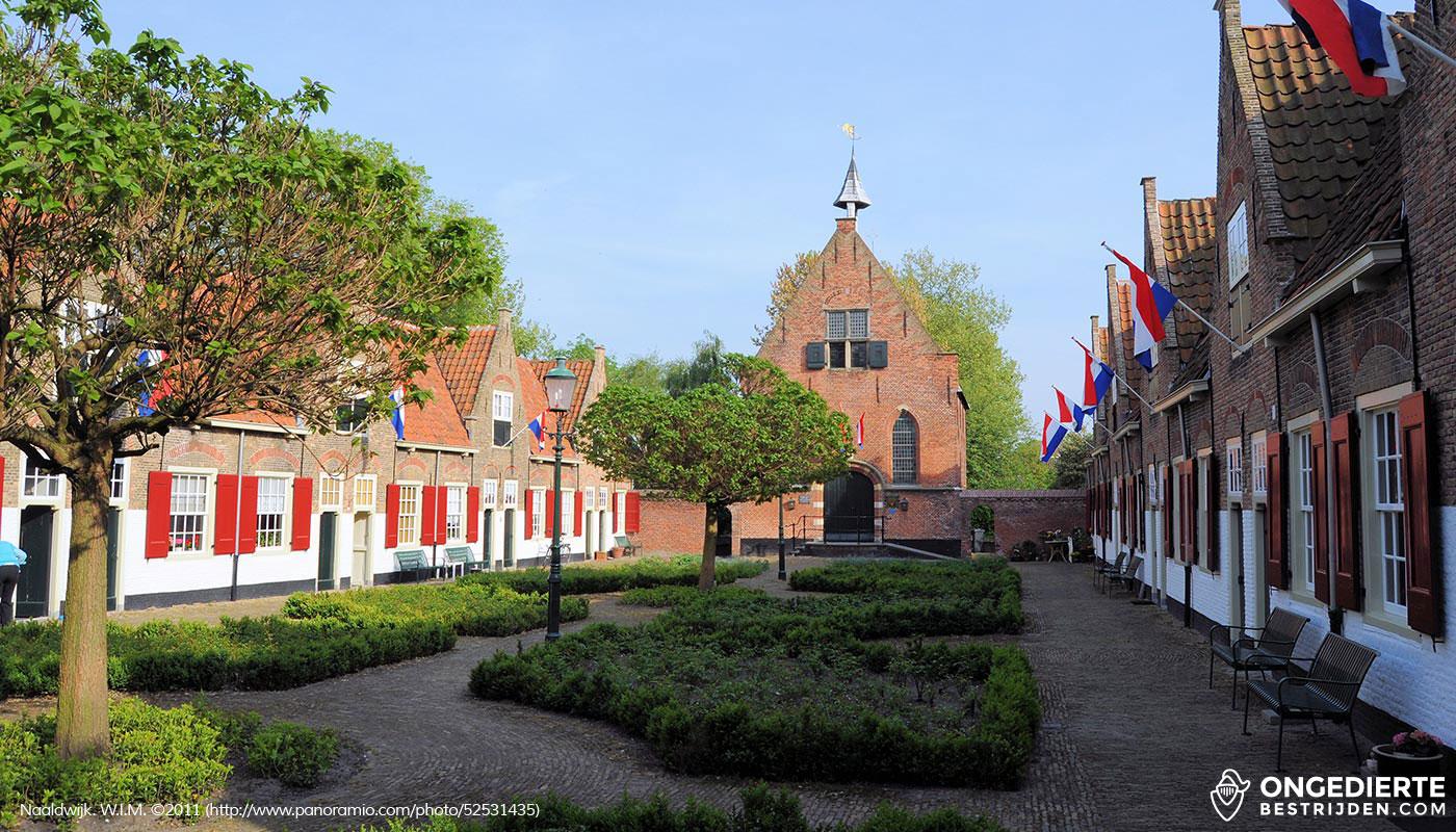 Historische wijk met huizen in Naaldwijk