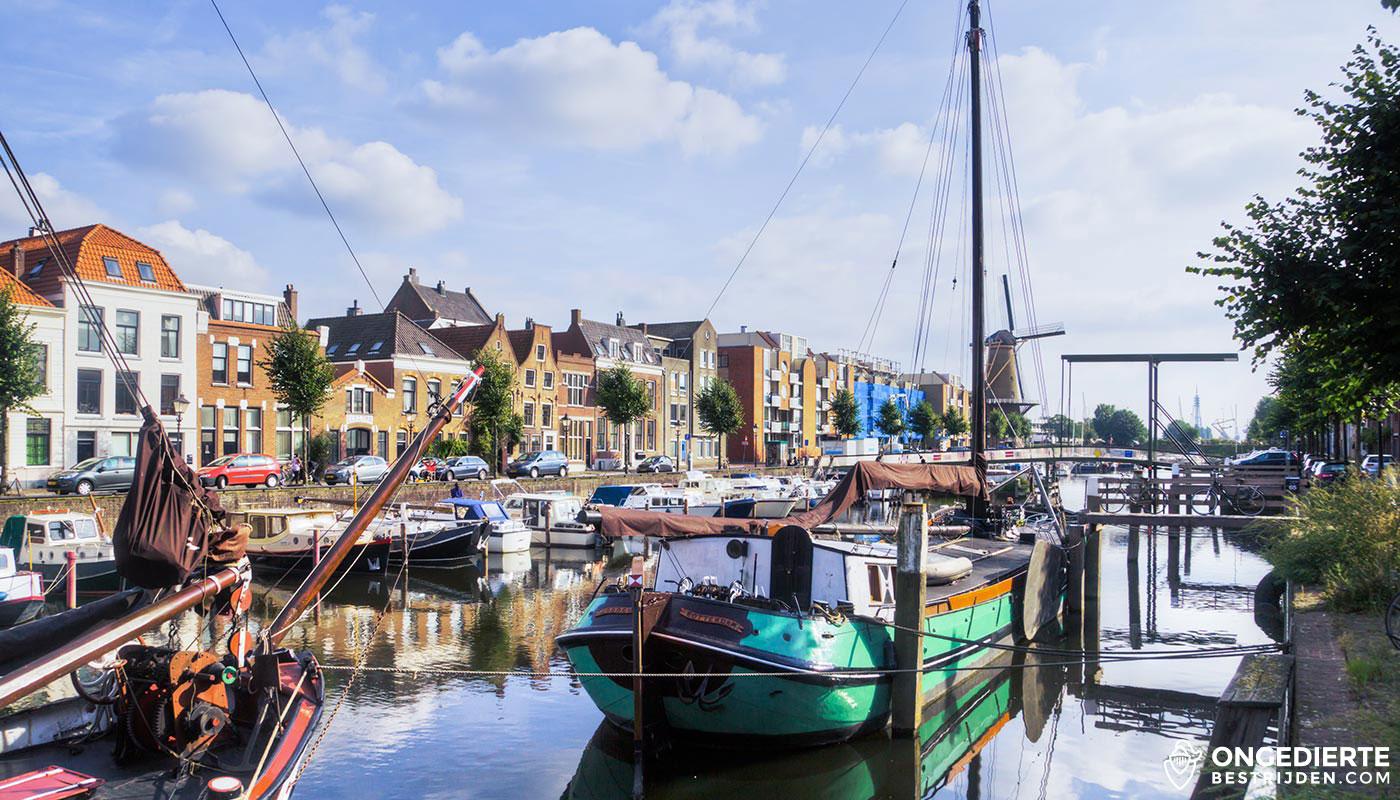 Delfshaven en oude huizen in Rotterdam